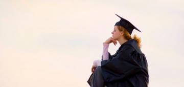 Lulus Kuliah, Lanjut S2 atau Kerja?